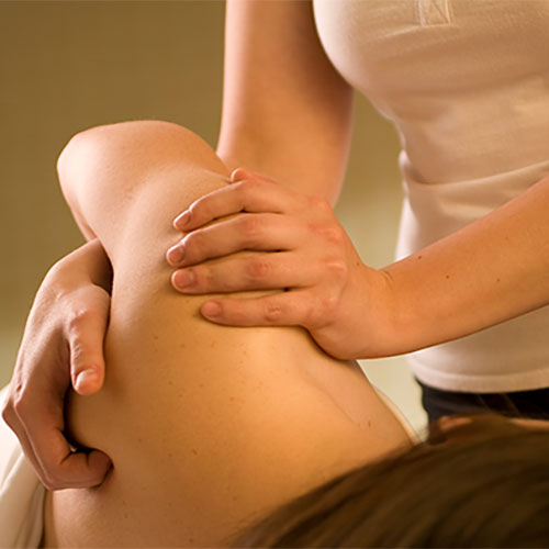 Kinesitherapist, physio, Louise, manual therapist, Kinesitherapy